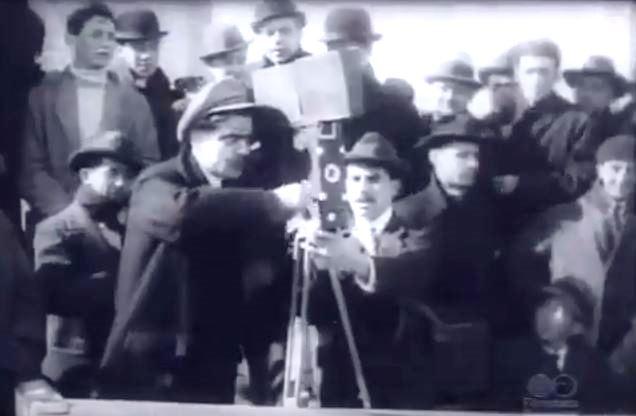 Fotograma de Clarita y Peladilla en el football (1915)